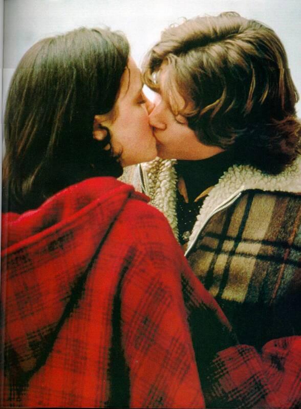 elijah_christina_kissing